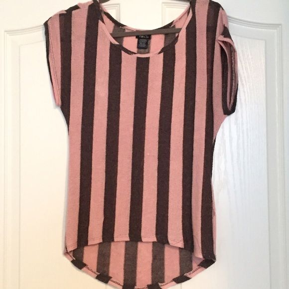 Pink and black striped tee This shirt is cute on, there is one small hole (last picture above) but other than that it's in great condition! Rue 21 Tops Tees - Short Sleeve