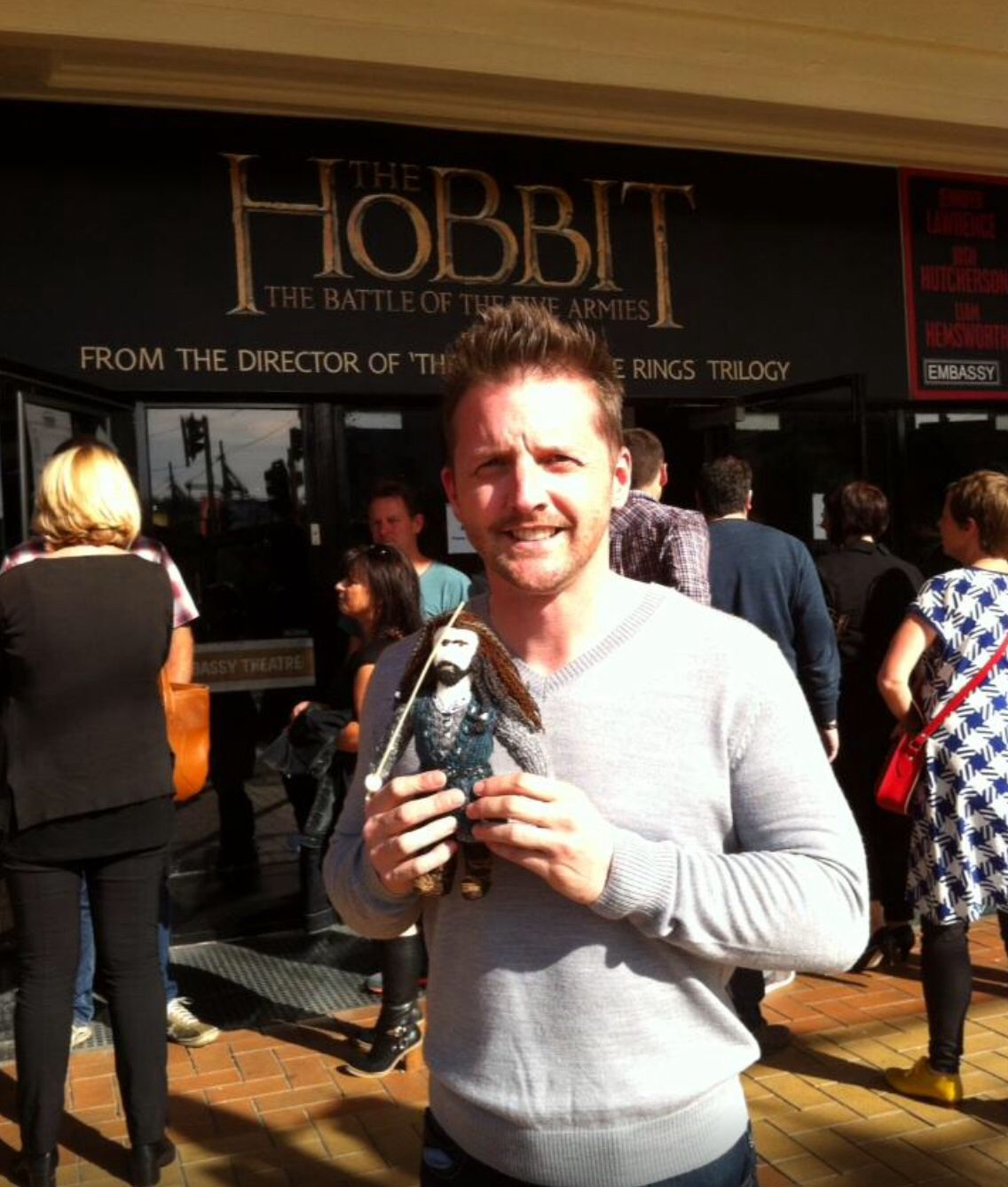 Mark Atkin Stuntman to #Thorin #Hobbit took this fantastic photo out side the Embassy Theatre HUGE THANK YOU Mark