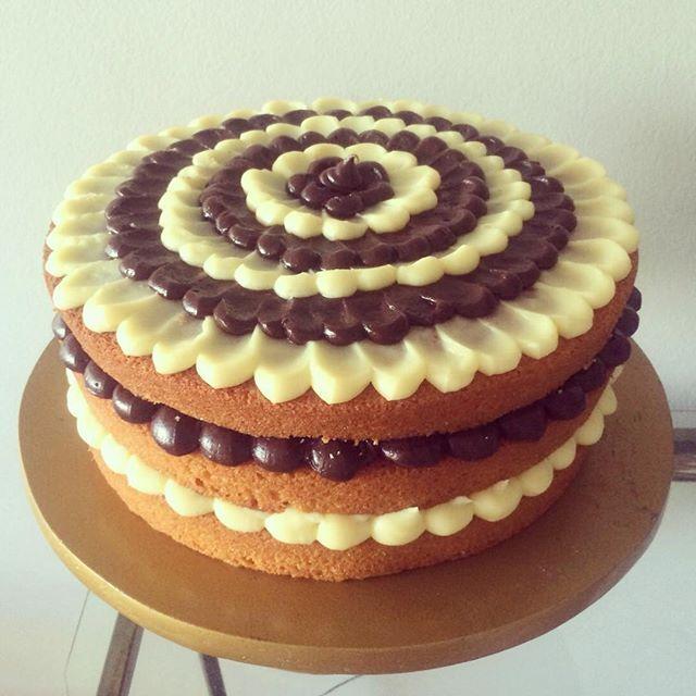 Excepcional Bolo Naked Cake, tamanho grande, com massa tradicional de ovos e  VJ73