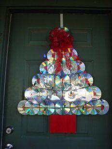 Decoracion Navidena Con Materiales Reciclados Ideas Para Arboles De Navidad Puertas Decoradas De Navidad Adornos Navidenos Reciclados