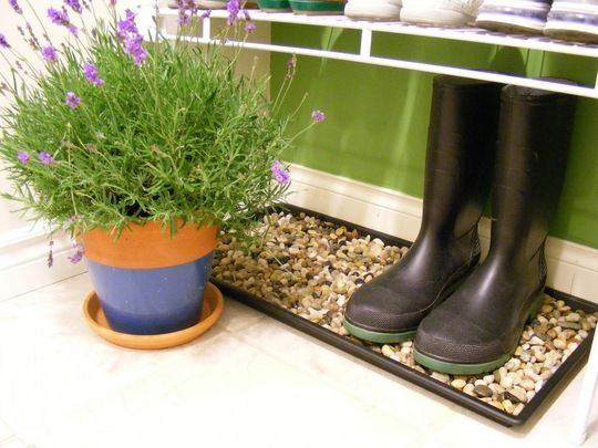 4b4a5472 DIY River Rock Boot Trays good idea for snow and water in winter I want  one. Read it