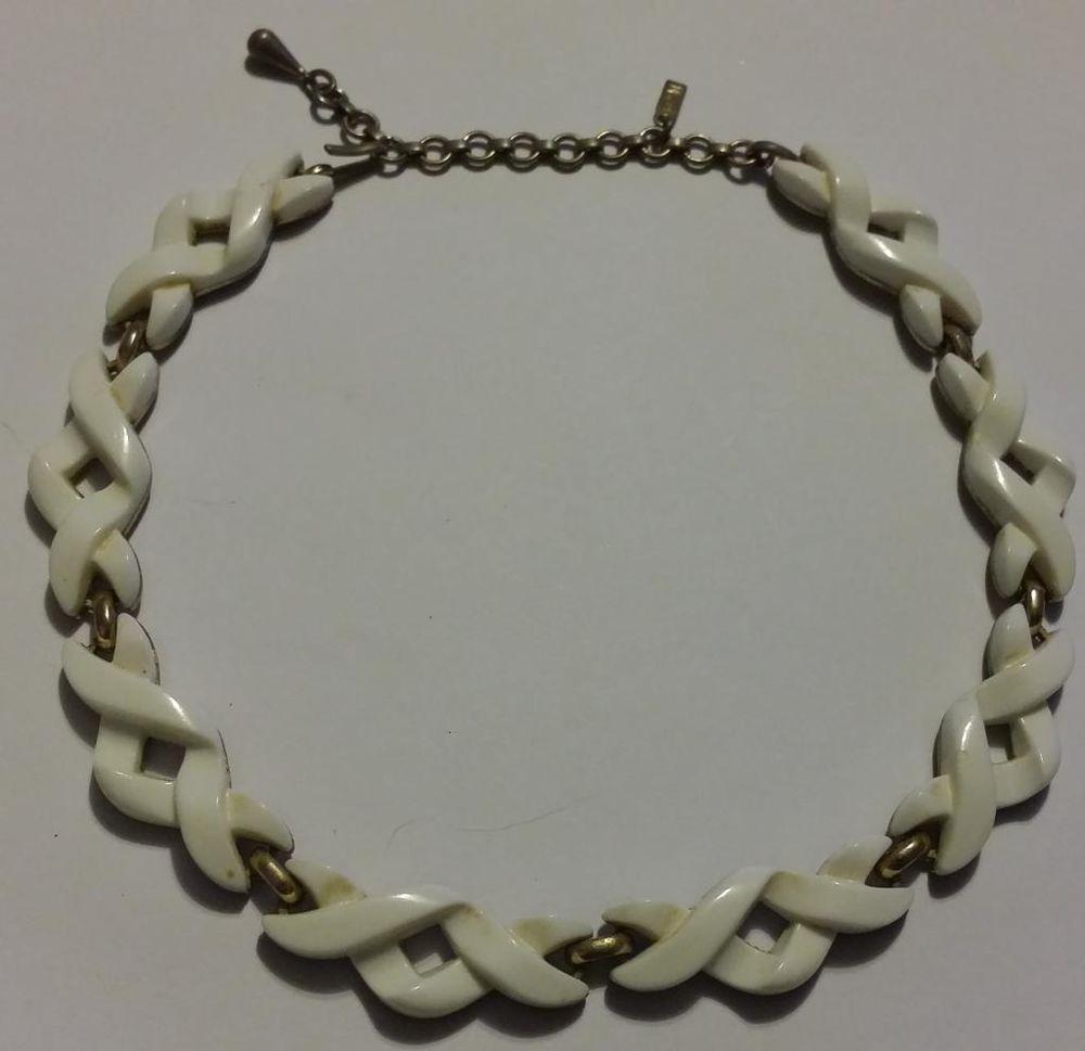"16 1/2"" Vintage Monet White Twists & Gold-tone Choker Necklace #Monet #Choker"