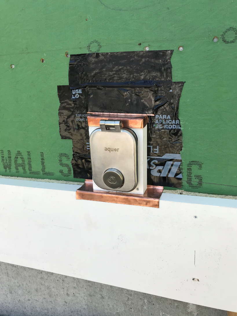 Curious This Is The Housing For An Aquor House Hydrant A Revolutionary In Wall Faucet System That Makes Access To You Old Houses Wall Faucet Top 100 Products