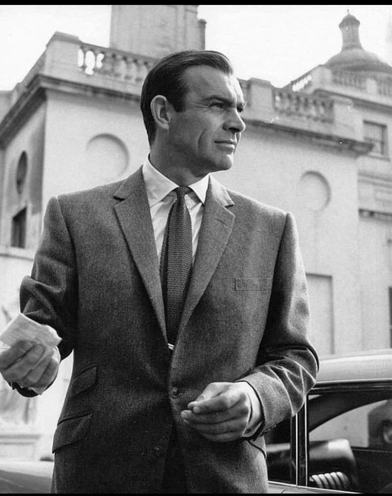 Pin By Rebecca On 007 In 2019 Suit Jacket Fashion James Bond