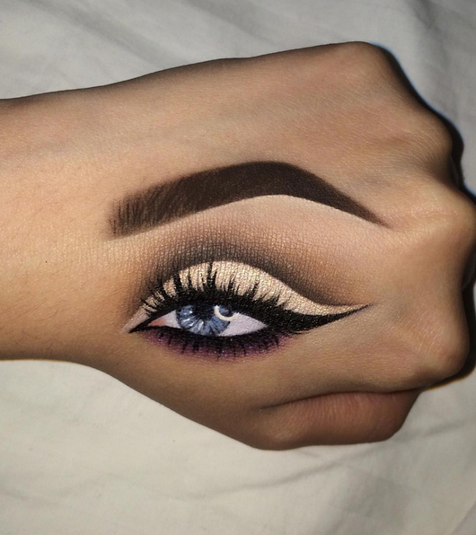 Now Kiss And Makeup: People Are Now Doing Hand Makeup And It's Actually