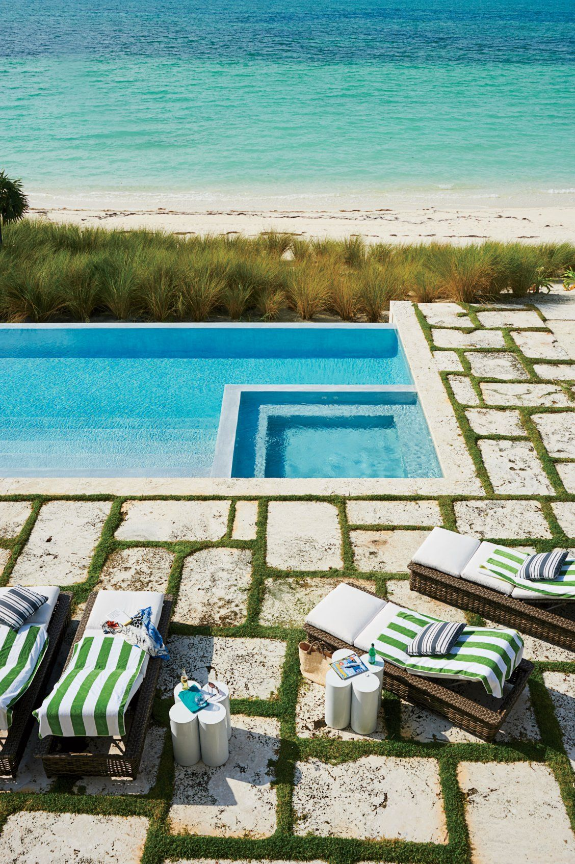 Tour the Bahamas Beach House of