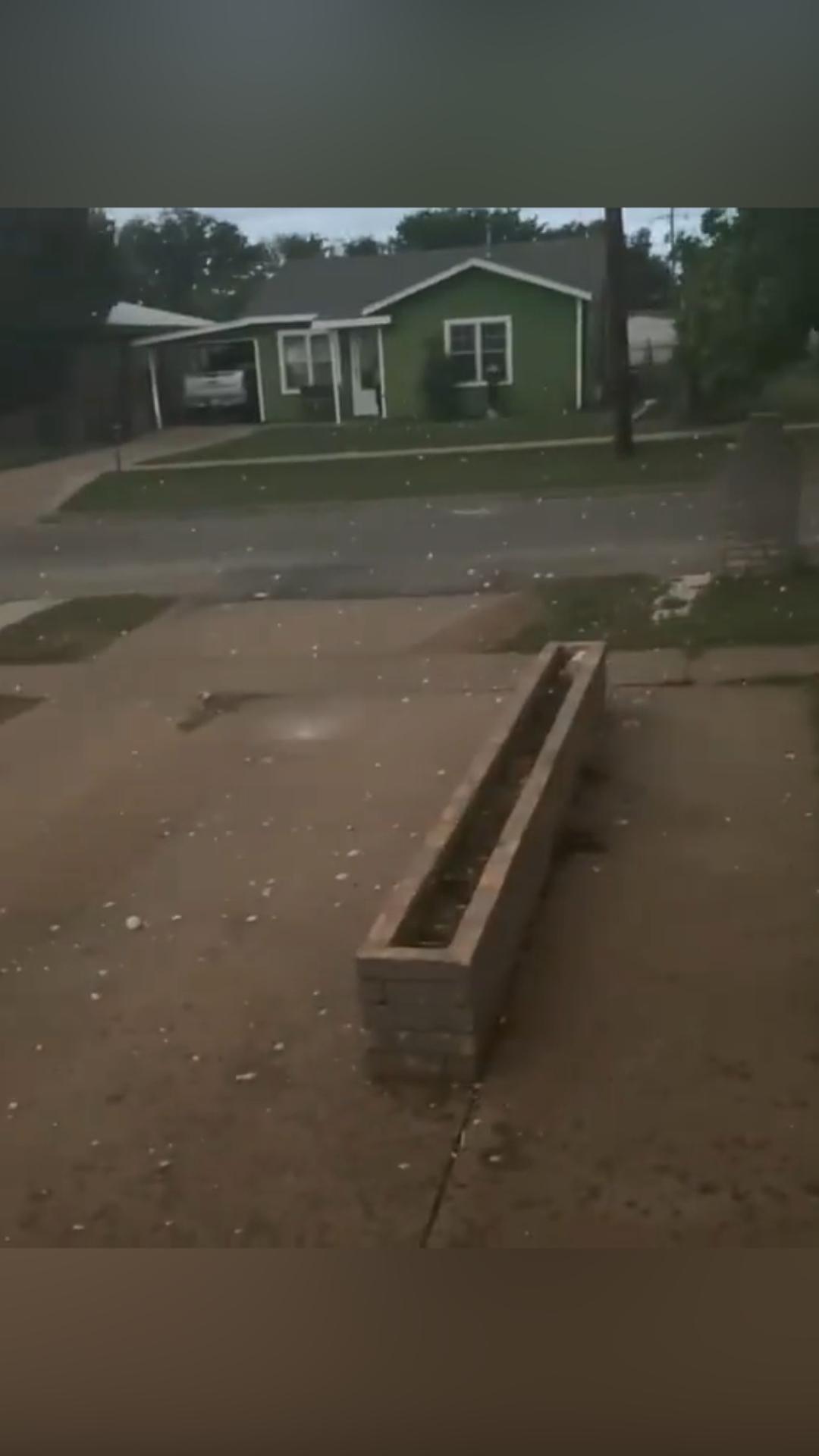 hail in Texas. 😳 [via @sjasso23]