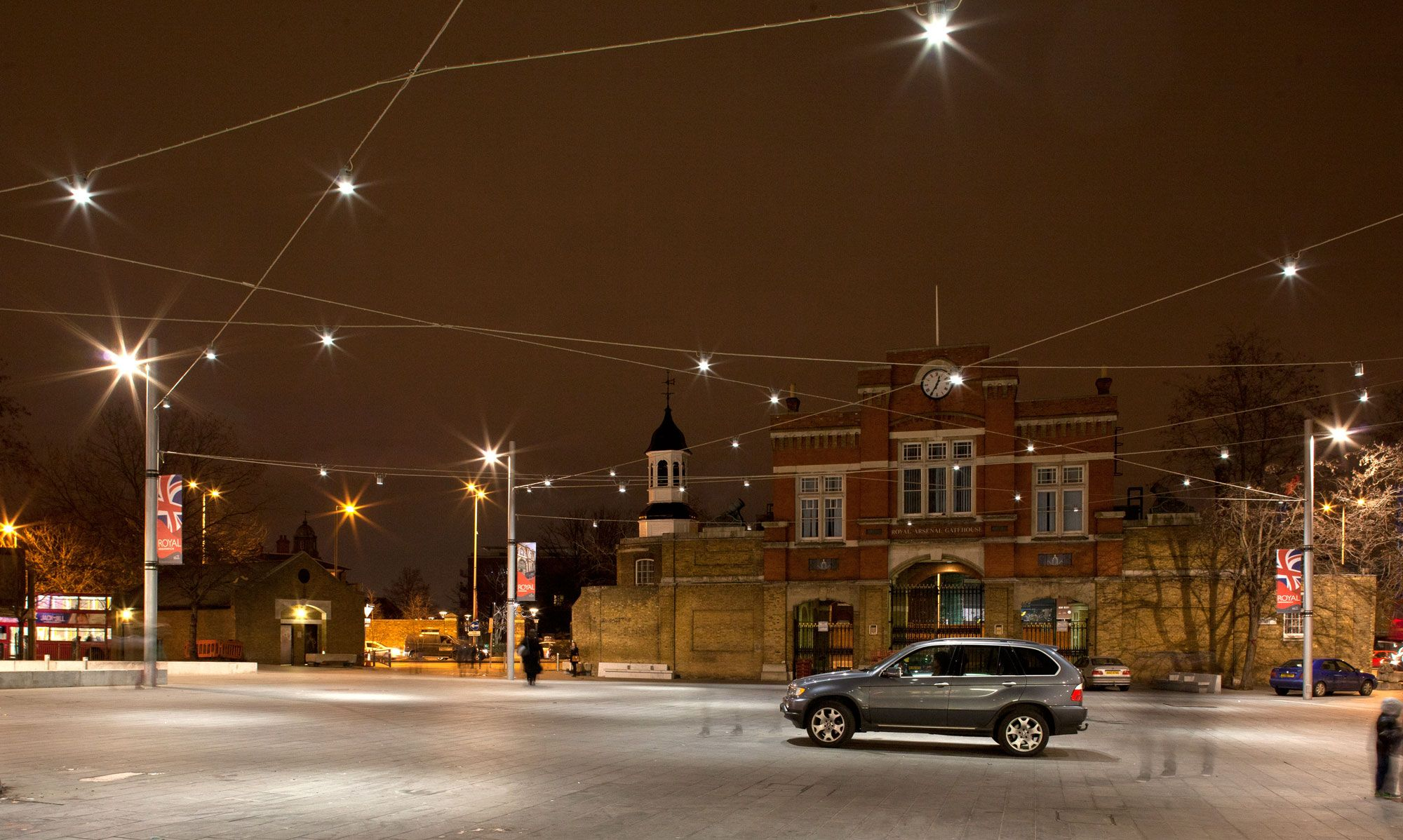 The catenary lighting system of beresford square ensures a unique the catenary lighting system of beresford square ensures a unique ambience with a clear and useable arubaitofo Image collections