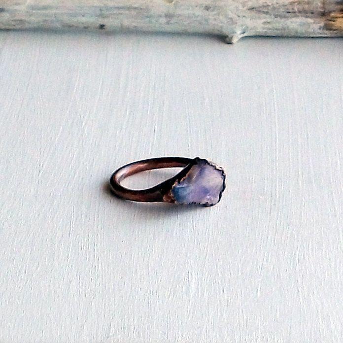 Die besten 25 lila stein ringe ideen auf pinterest lila for Verlobungsring blauer stein
