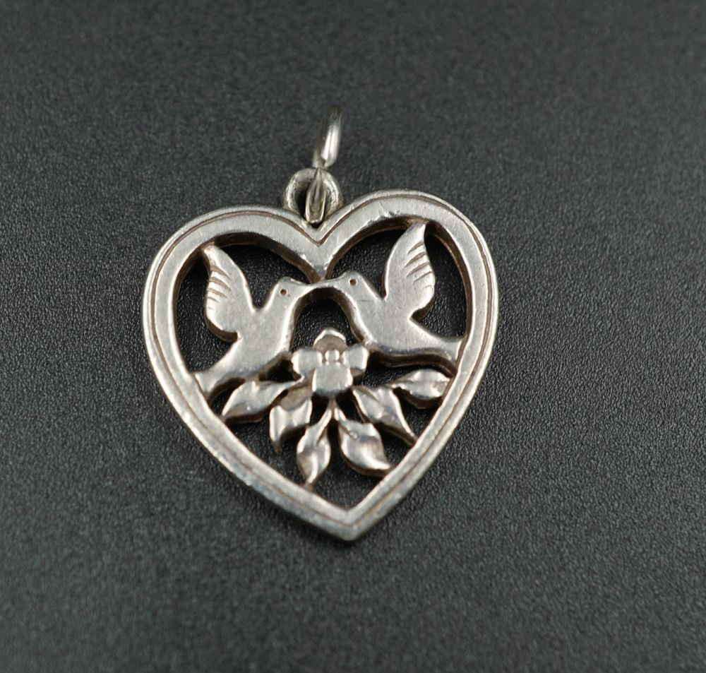 James avery solid sterling silver retired heart dove pendant charm james avery solid sterling silver retired heart dove pendant charm medium ps563 jamesavery pendant mozeypictures Image collections