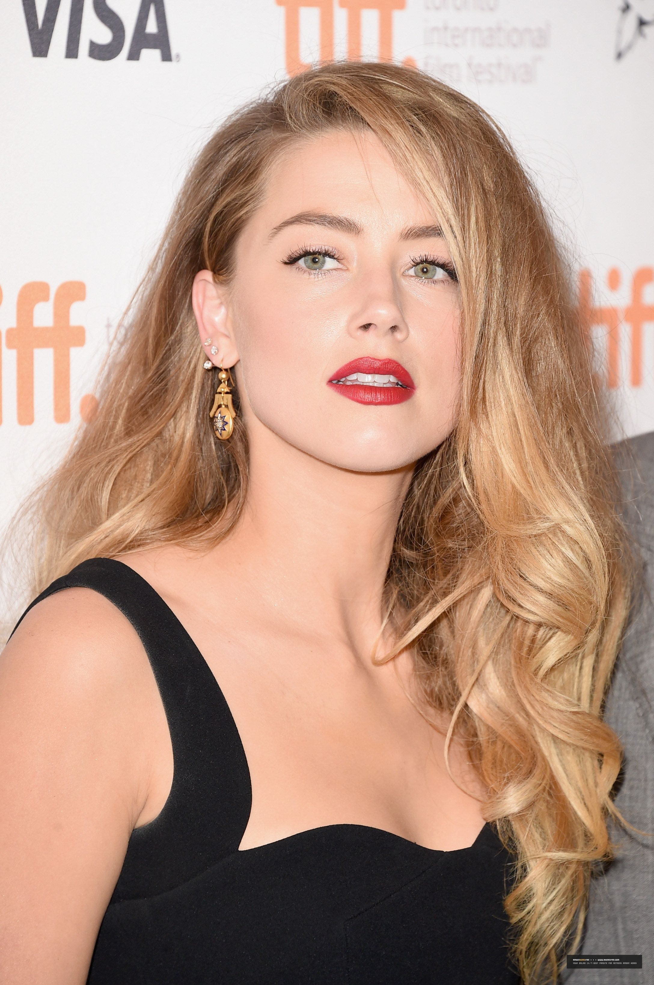 Pin By Phoebe On Amber Heard Amber Heard Photos Amber Heard Beauty