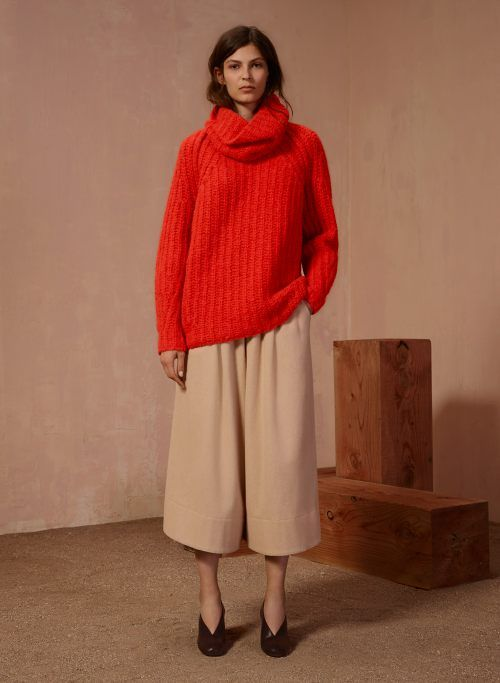 bold turtlenecks and culottes and shoes //
