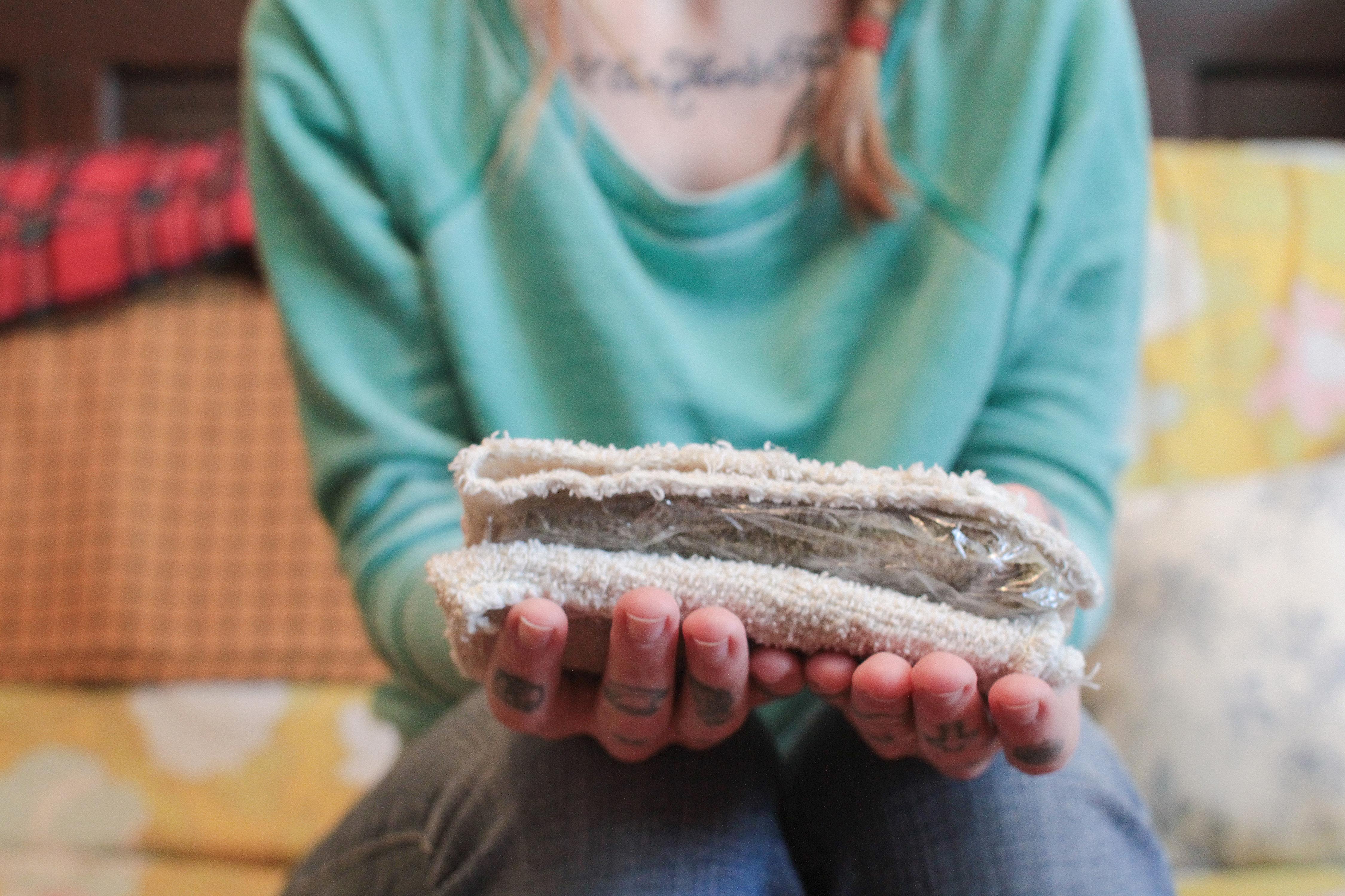 Cómo hacer una compresa caliente casera »Wiki Ùtil  Compresa caliente, compresa caliente ...