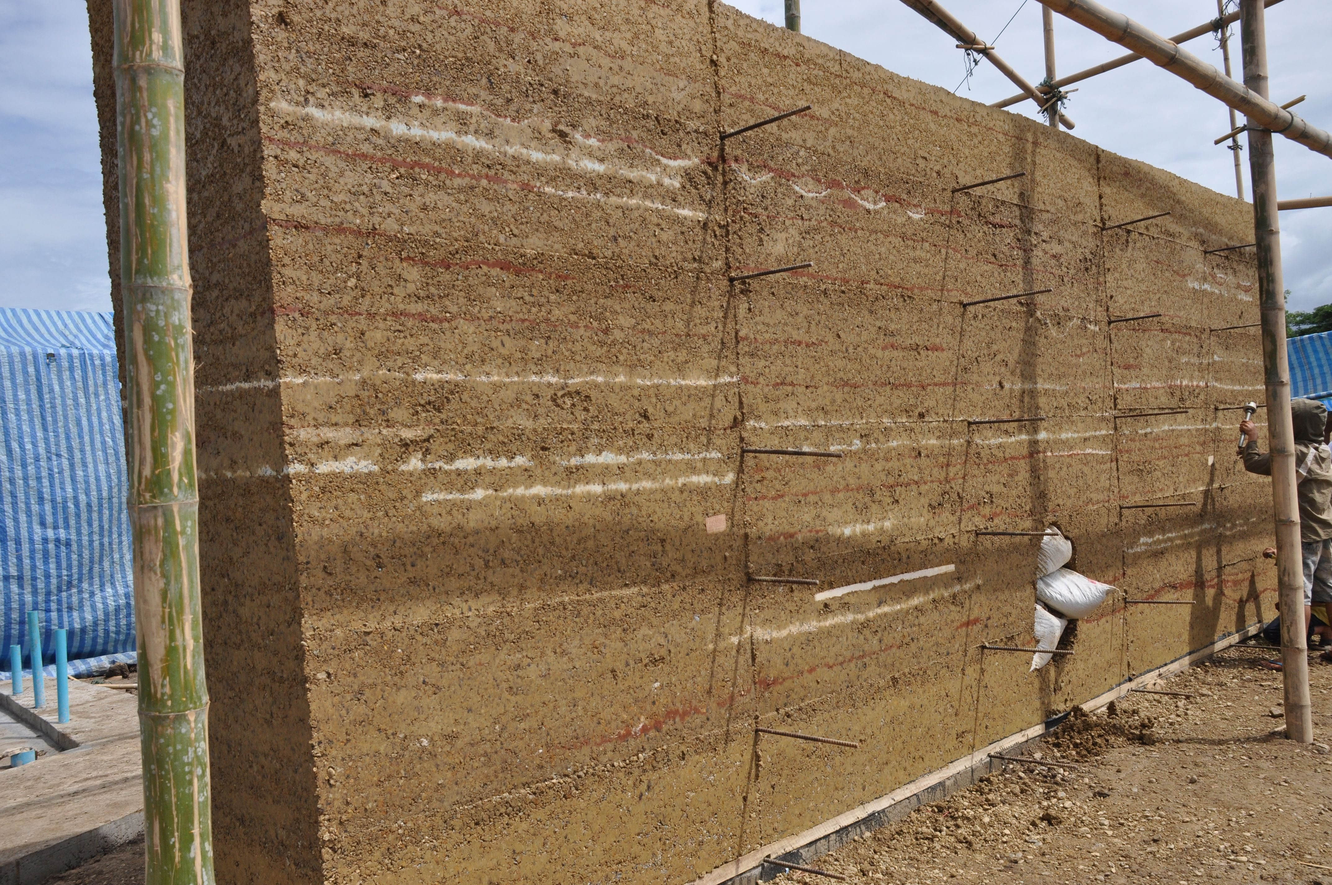 Rammed Earth Walls With Images Rammed Earth Wall Rammed Earth