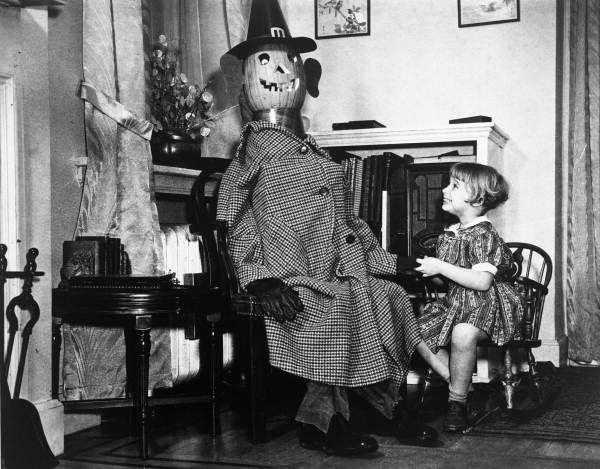 1938. Lois Duncan Steinmetz with a pumpkin headed mannequin: Philadelphia, Pennsylvania. Repository: State Library and Archives of Florida