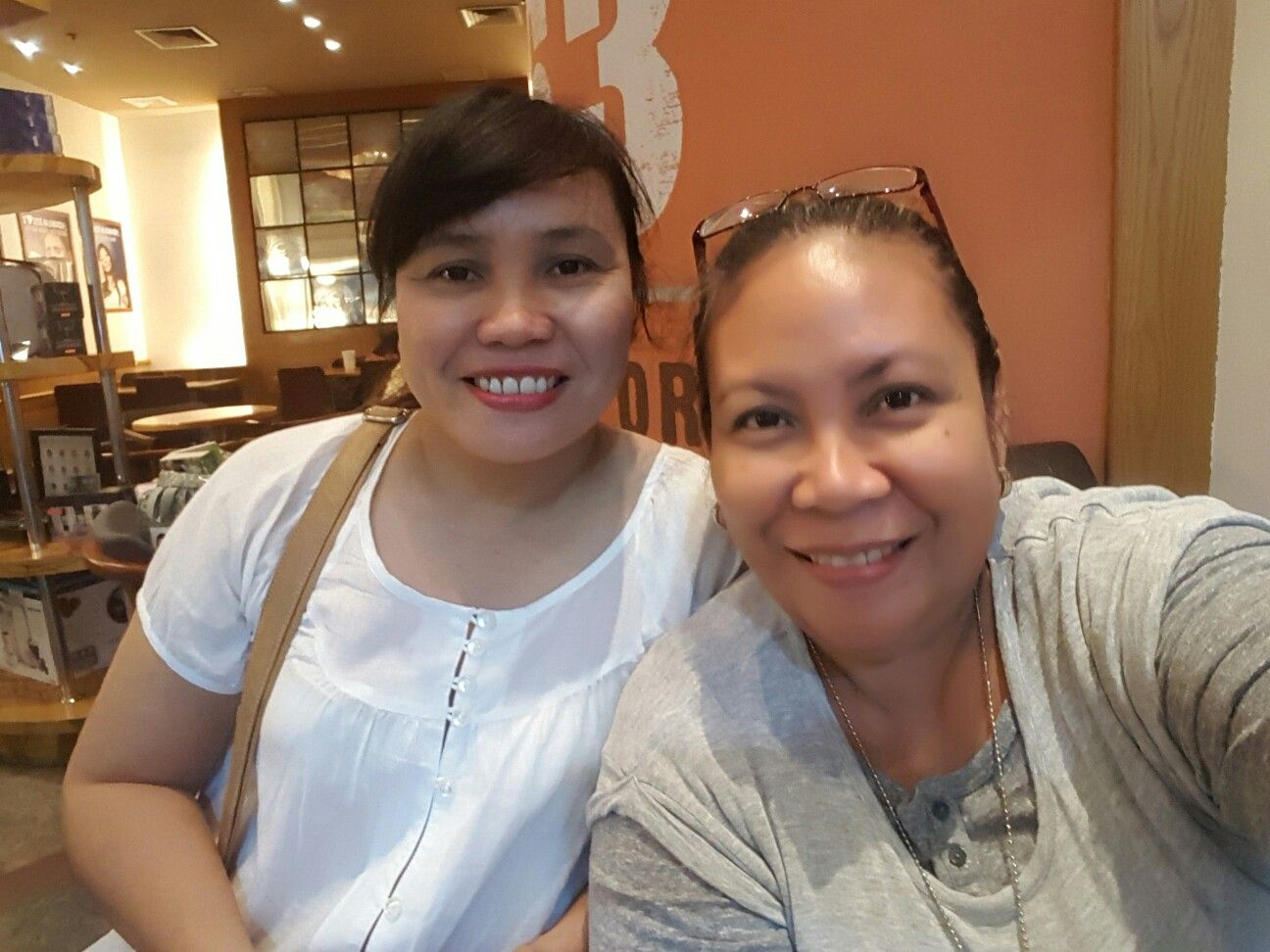 Business meeting @ Coffeebean Robinson's Galleria with TA, Gen and my 1st direct Joy.