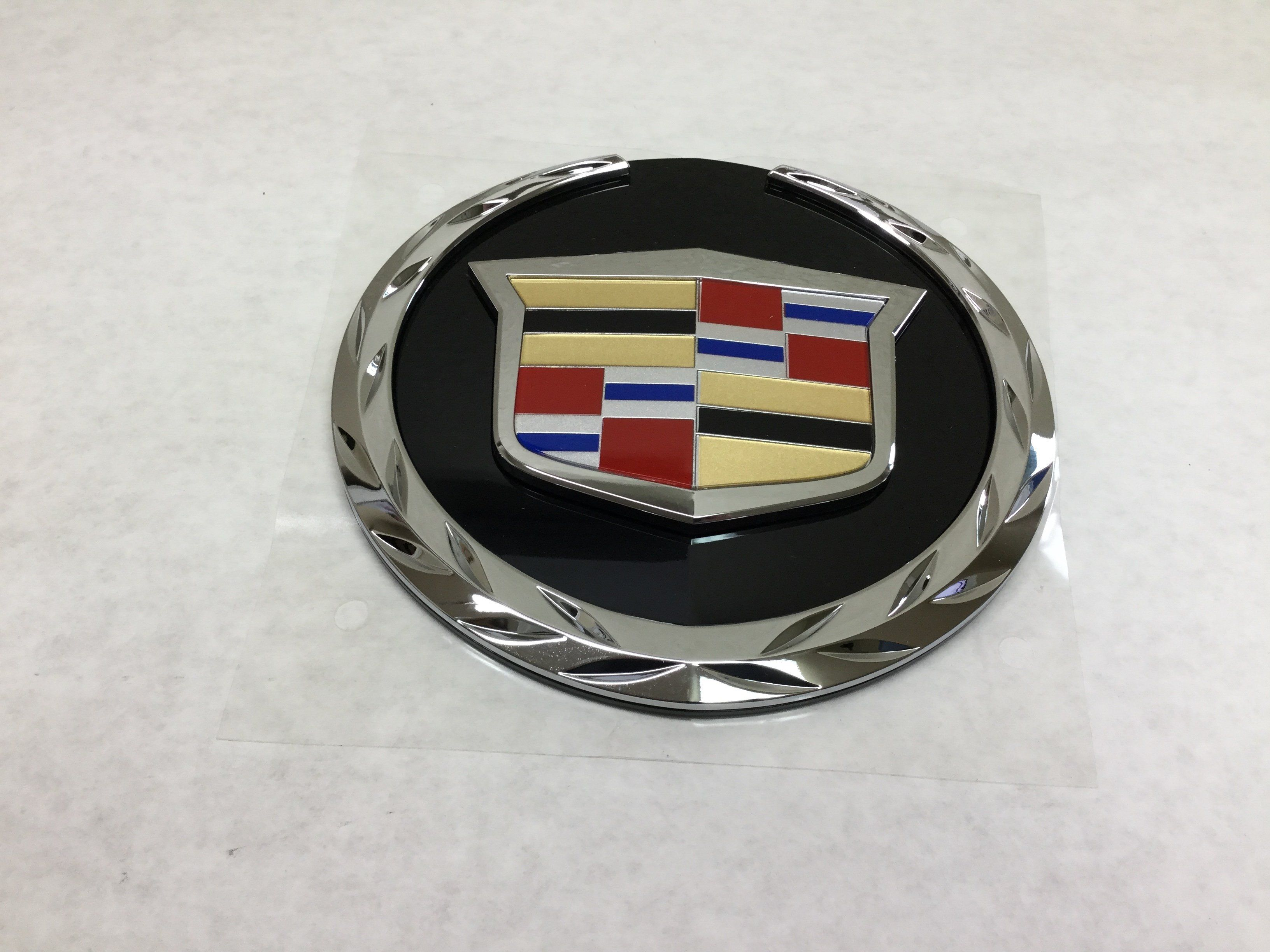 New 2007 2014 Cadillac Escalade Front Grille Crest And Wreath