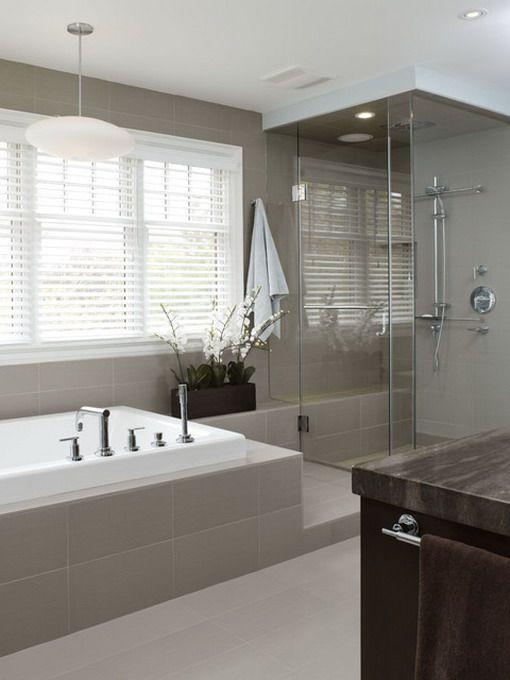 baignoire sous la fenetre d co pinterest salle de bains baignoires et salle. Black Bedroom Furniture Sets. Home Design Ideas