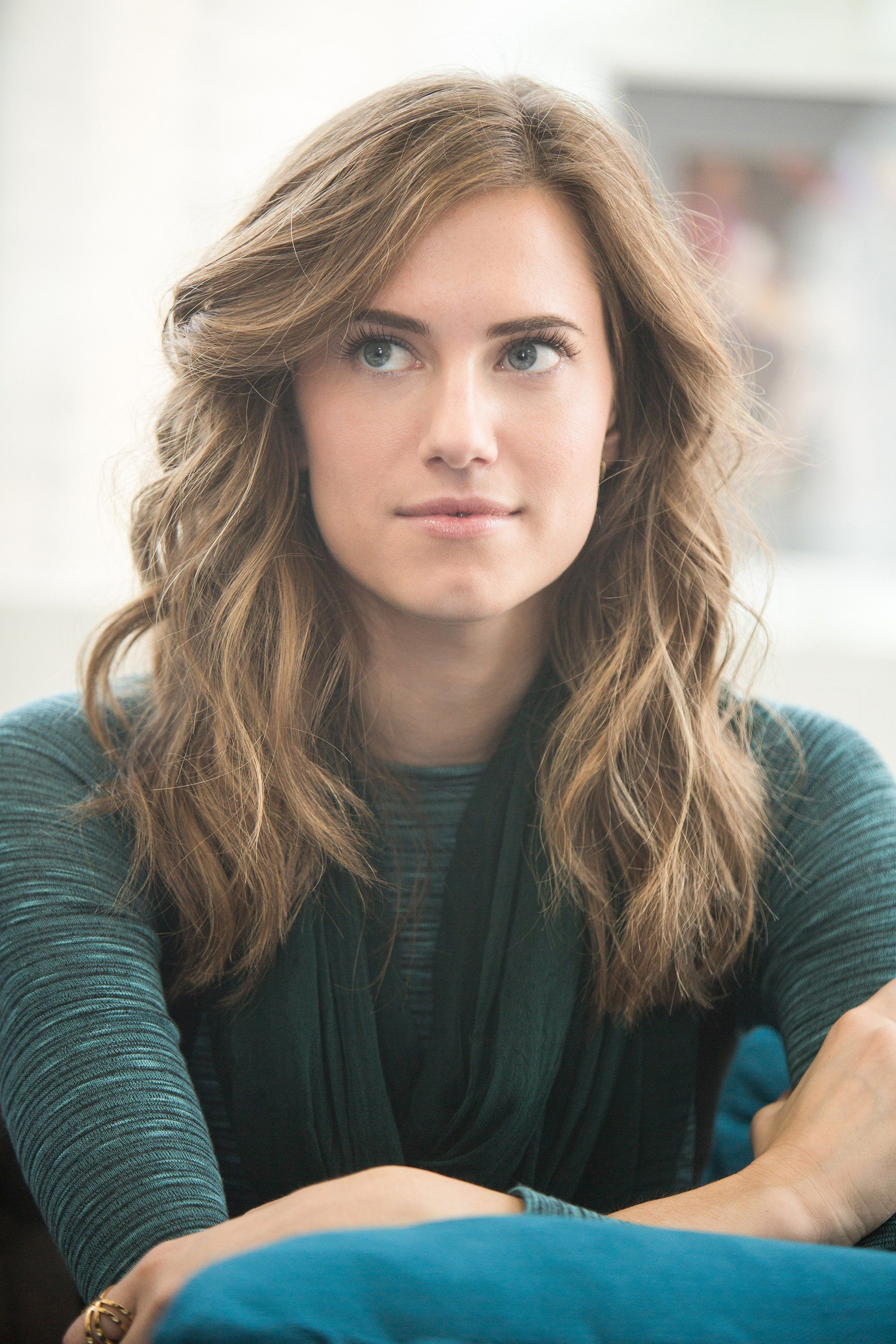 GIRLS' Star Allison Williams Scores a Deal as Face of SimpleSkincare
