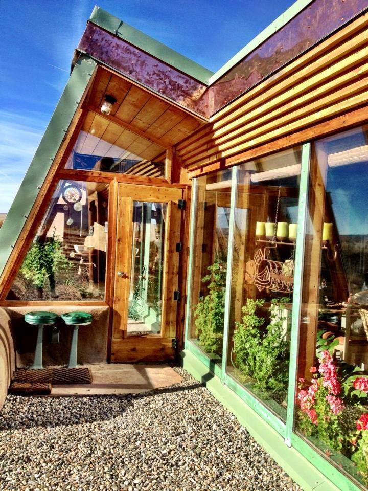 pingl par julie haehnel sur green green world pinterest maisons co co et maison recycl e. Black Bedroom Furniture Sets. Home Design Ideas