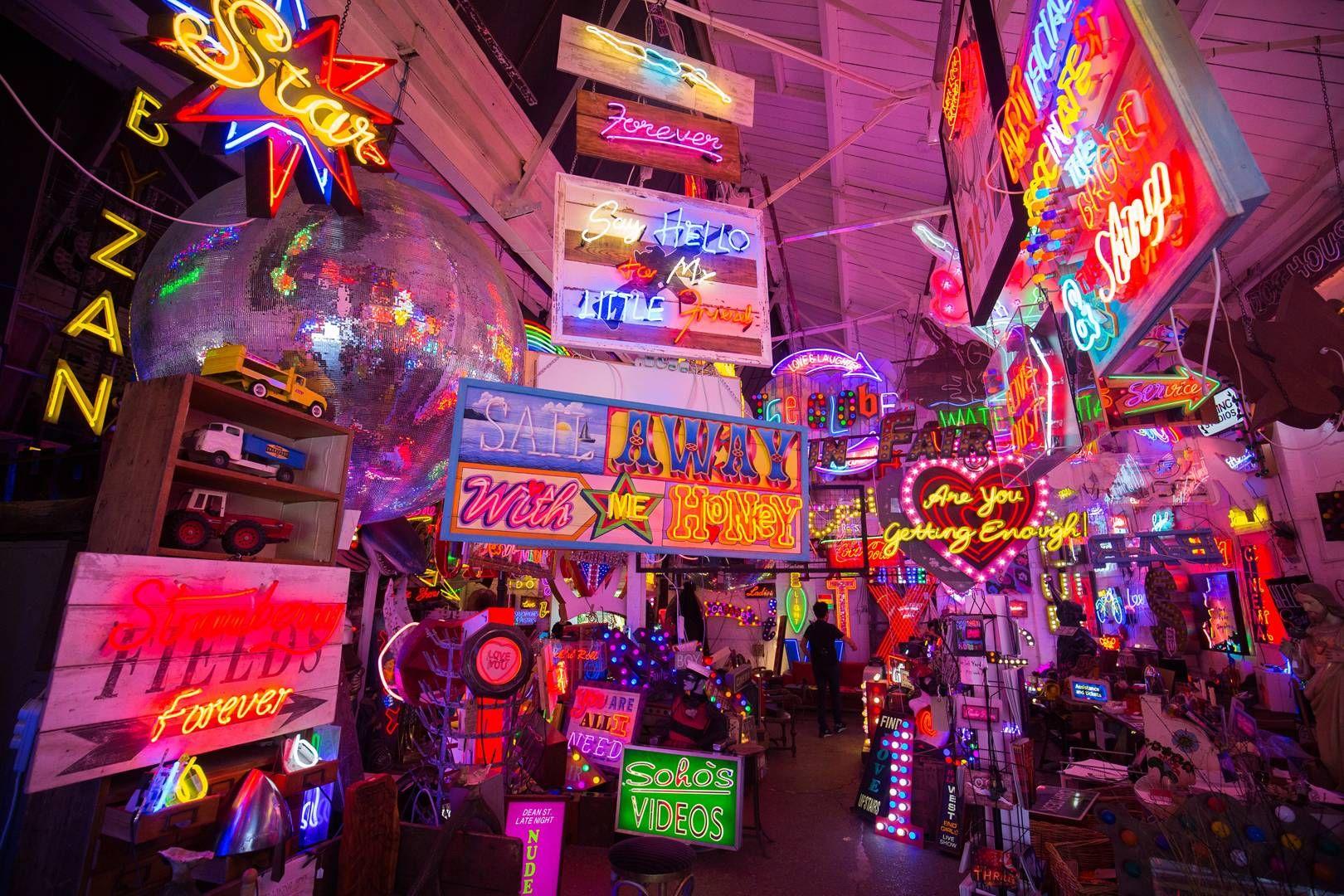 30 free london activities london activities neon light