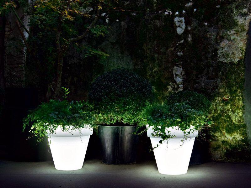 Serralunga - Lampada Vas-One | Design: Luisa Bocchietto | Materiali: Polistirene | #design #outdoor
