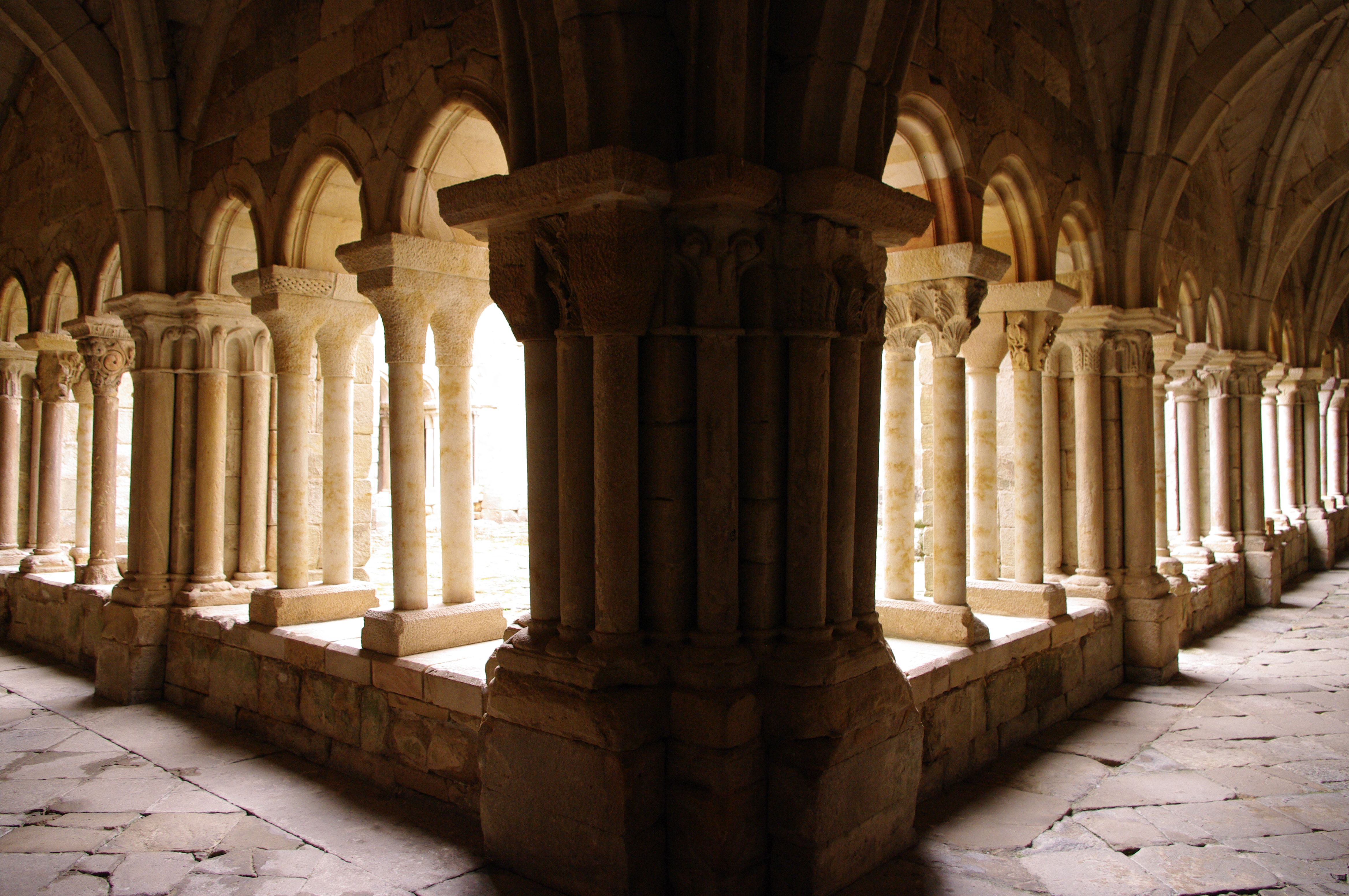 Fotos De Palencia Aguilar De Campoo Monasterio S M Real Monasterios Fotos Viajes