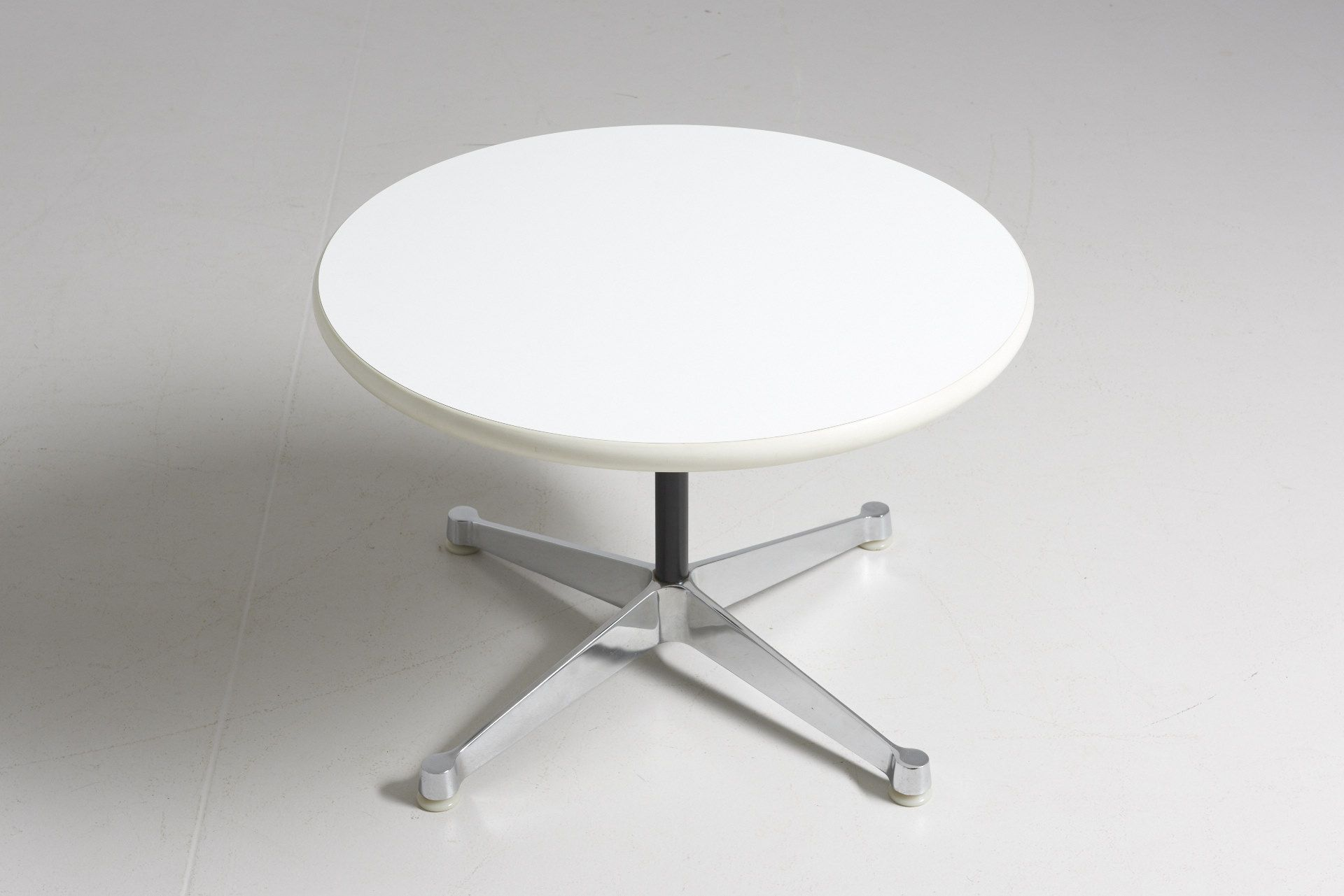 Round Coffee Table By Charles And Ray Eames Typical Cross Foot In Chrome Plated Steel Matching The Foot O Low Tables Selling Furniture Coffee Table Design [ 1281 x 1920 Pixel ]