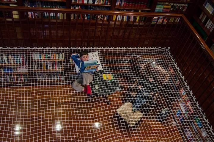Children S Giant Reading Net Hammock In Home Library Ham Town
