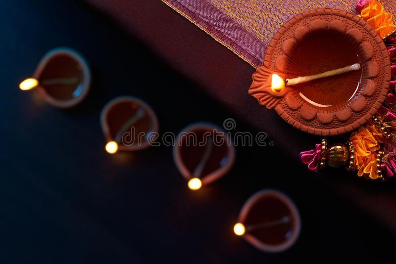 Diwali Oil Lamp Traditional Clay Diya Lamps Lit During Diwali Celebration Affiliate Traditional Clay Lamp Diwali Oil Oil Lamps Diya Lamp Diwali