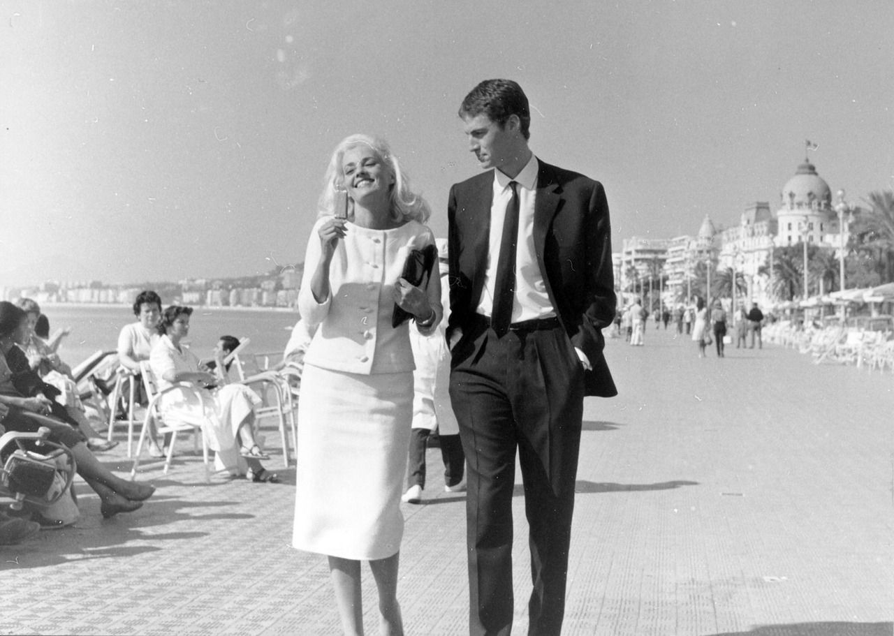 Jeanne Moreau and Claude Mann, Promenade des Anglais, Nice, France (La baie des anges, 1963) | La baie des anges, Jeanne moreau, Nouvelle vague