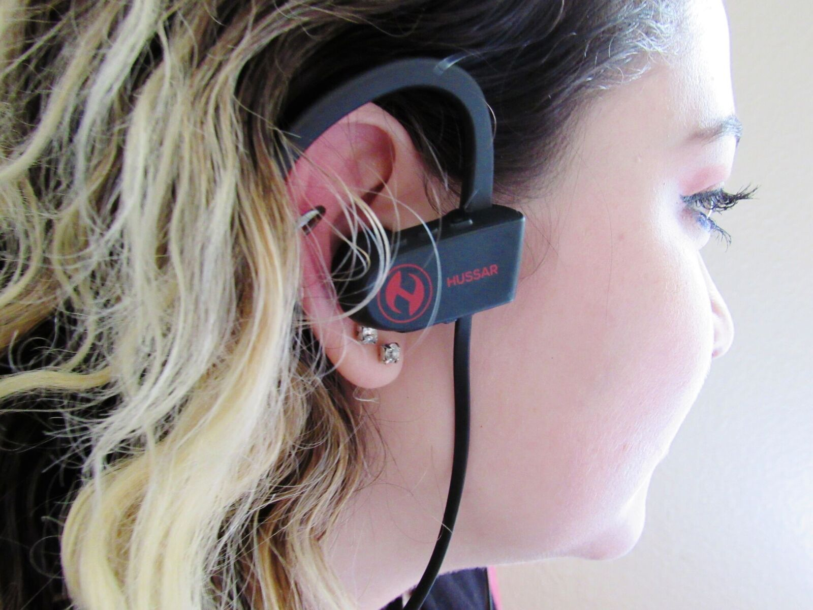 Our earbuds are stylish and comfortable to wear. Earbuds