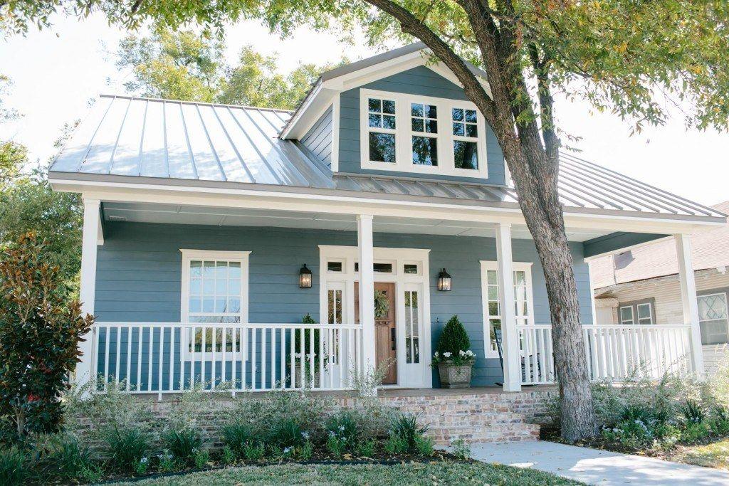 Fixer Upper Season 3 Episode 12 The 3 Little Pigs House House Exterior Blue Farm House Colors House Exterior