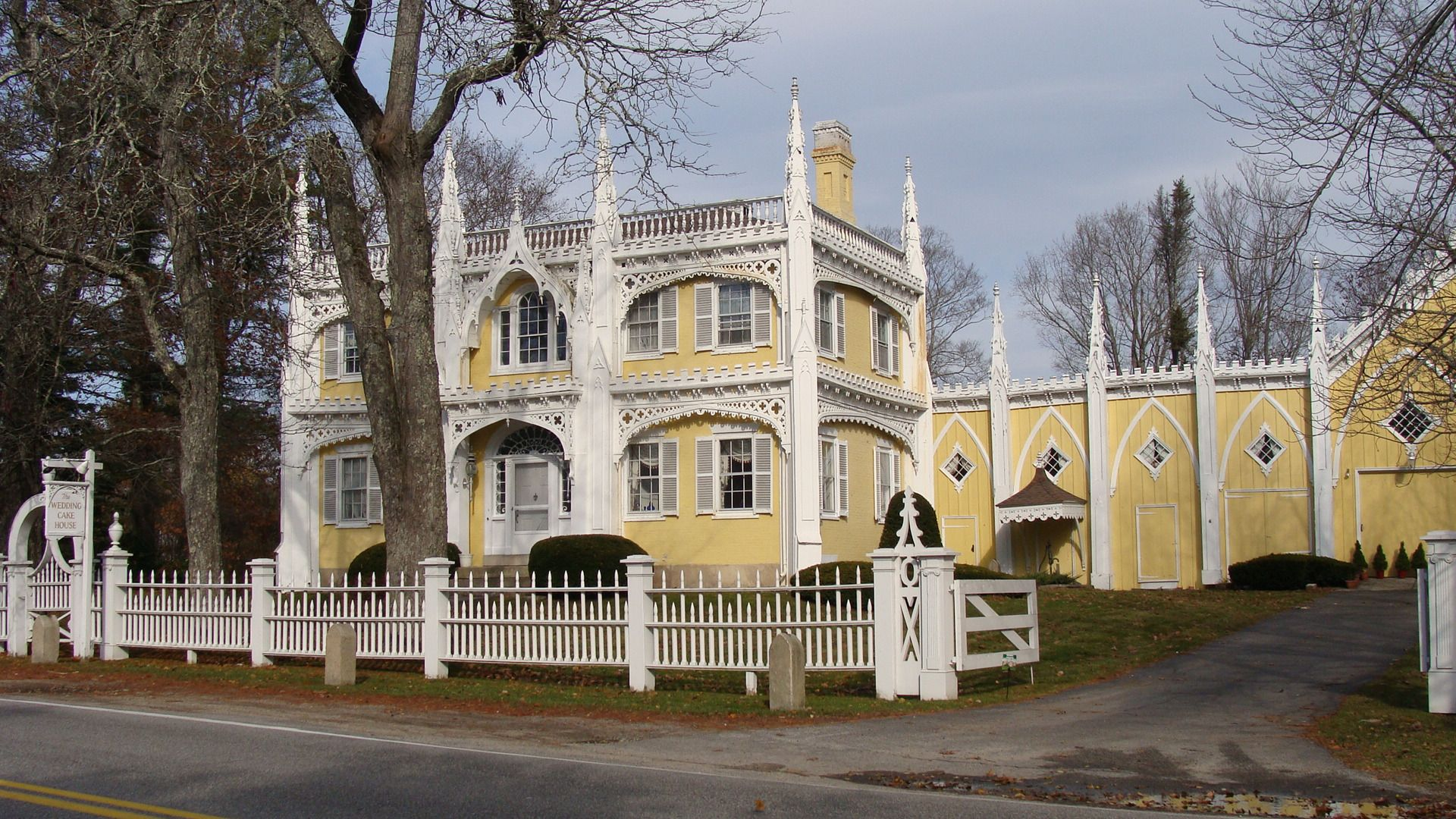 Wedding Cake House In Kennebunk Maine Called The Most Photographed