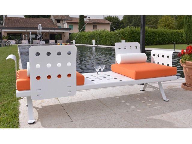 sedie, poltrone, tavoli in ferro trattato per il giardino, arredo ...