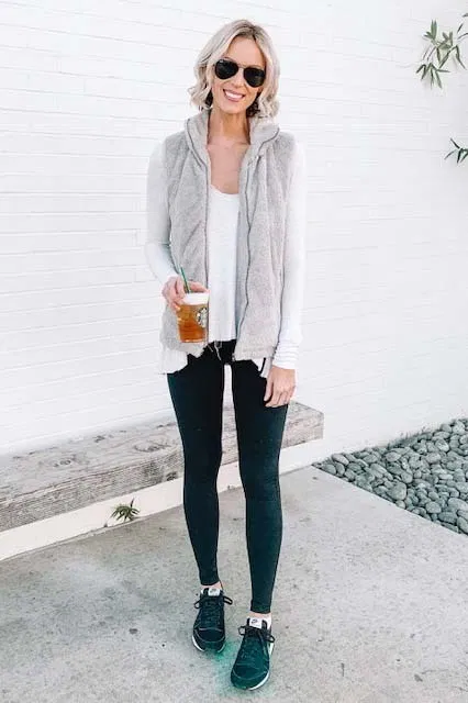 How to Wear Leggings Casually and the Best Long Tops to Wear with Them - Straight A Style -   17 dress Winter leggings ideas