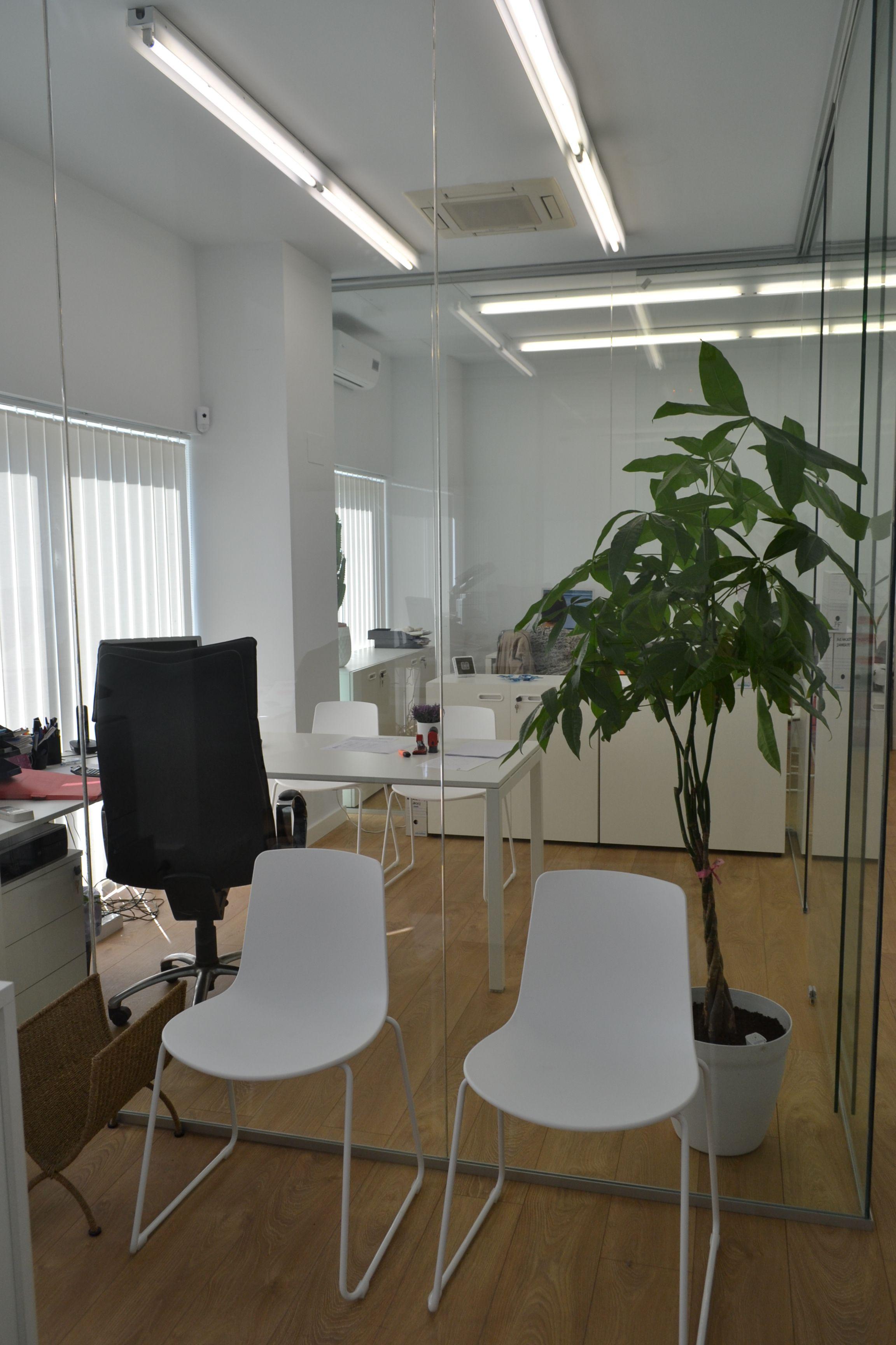 Dise o de oficina de abogados en pamplona proyecto y for Decoracion oficinas y despachos