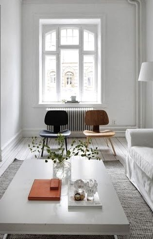 Via La Maison d'Anna G | Eames Lounge Chair Wood | White