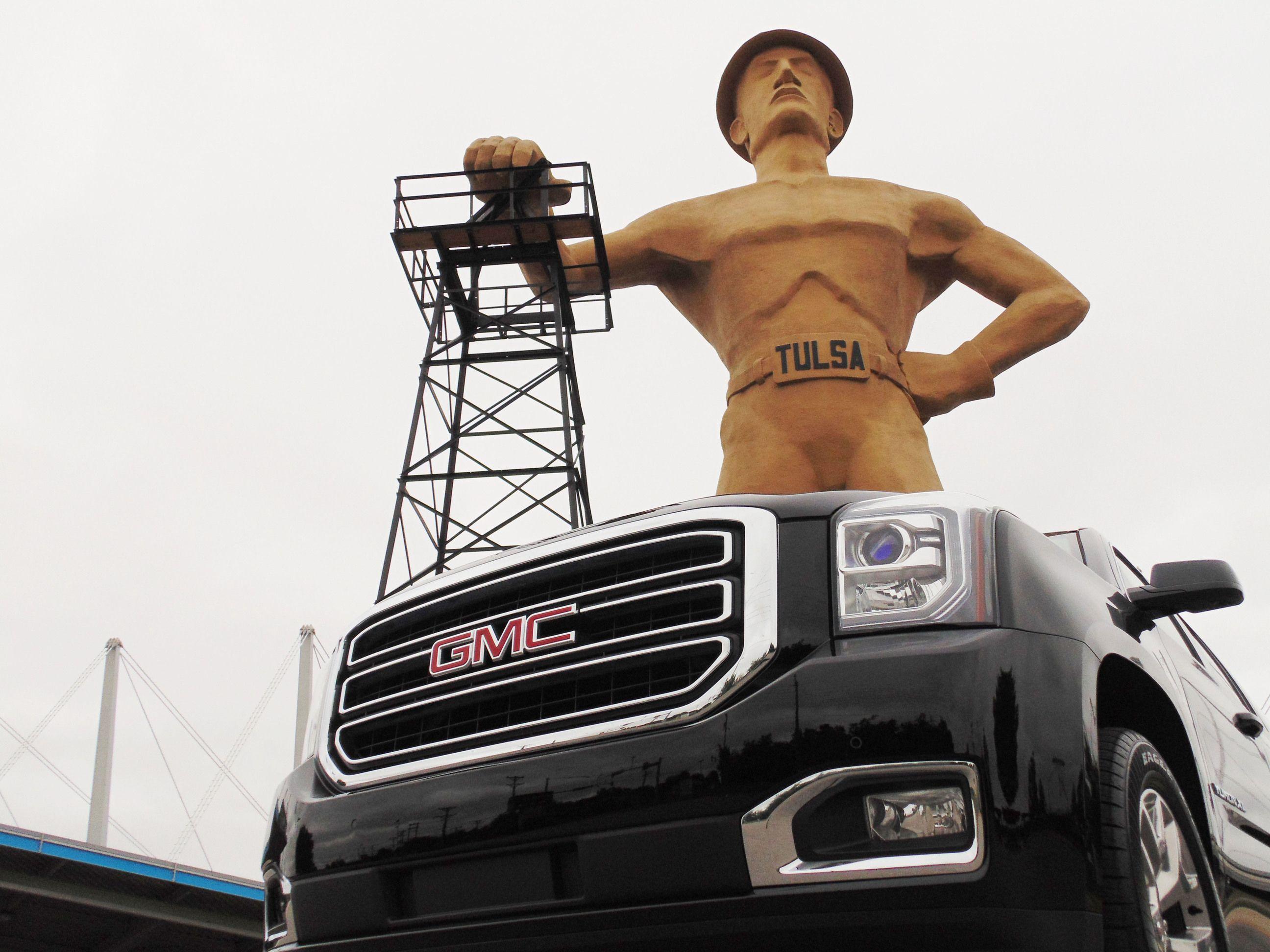 2015 Gmc Yukon Next To The Tulsa Golden Driller Tulsa