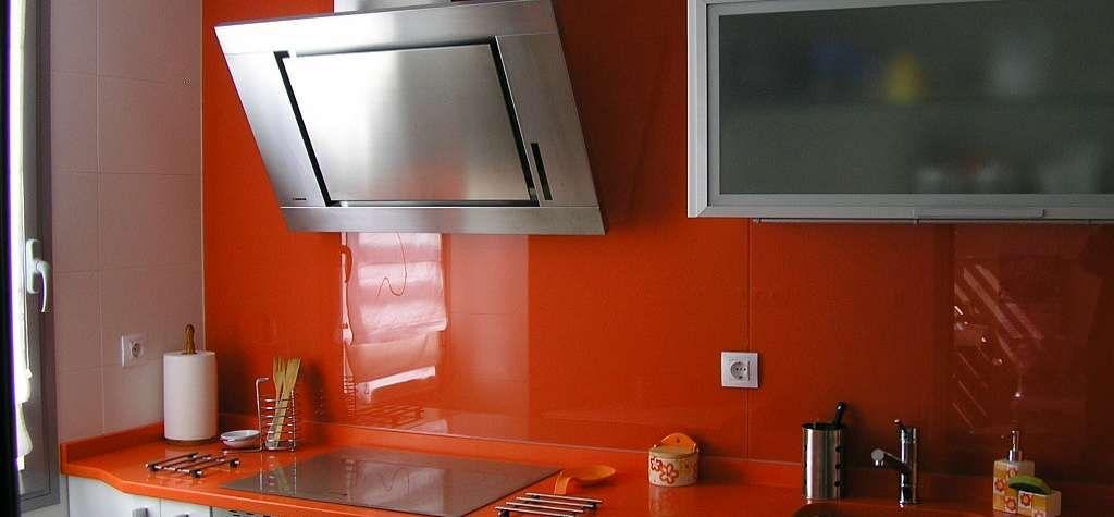 Vidrio lacado cristales lacados lacobel el vidrio en tu for Paneles para paredes de cocinas y precios