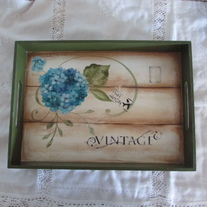 Bandeja pintada con acrilico mis trabajos pinterest for Bandejas de madera decoradas
