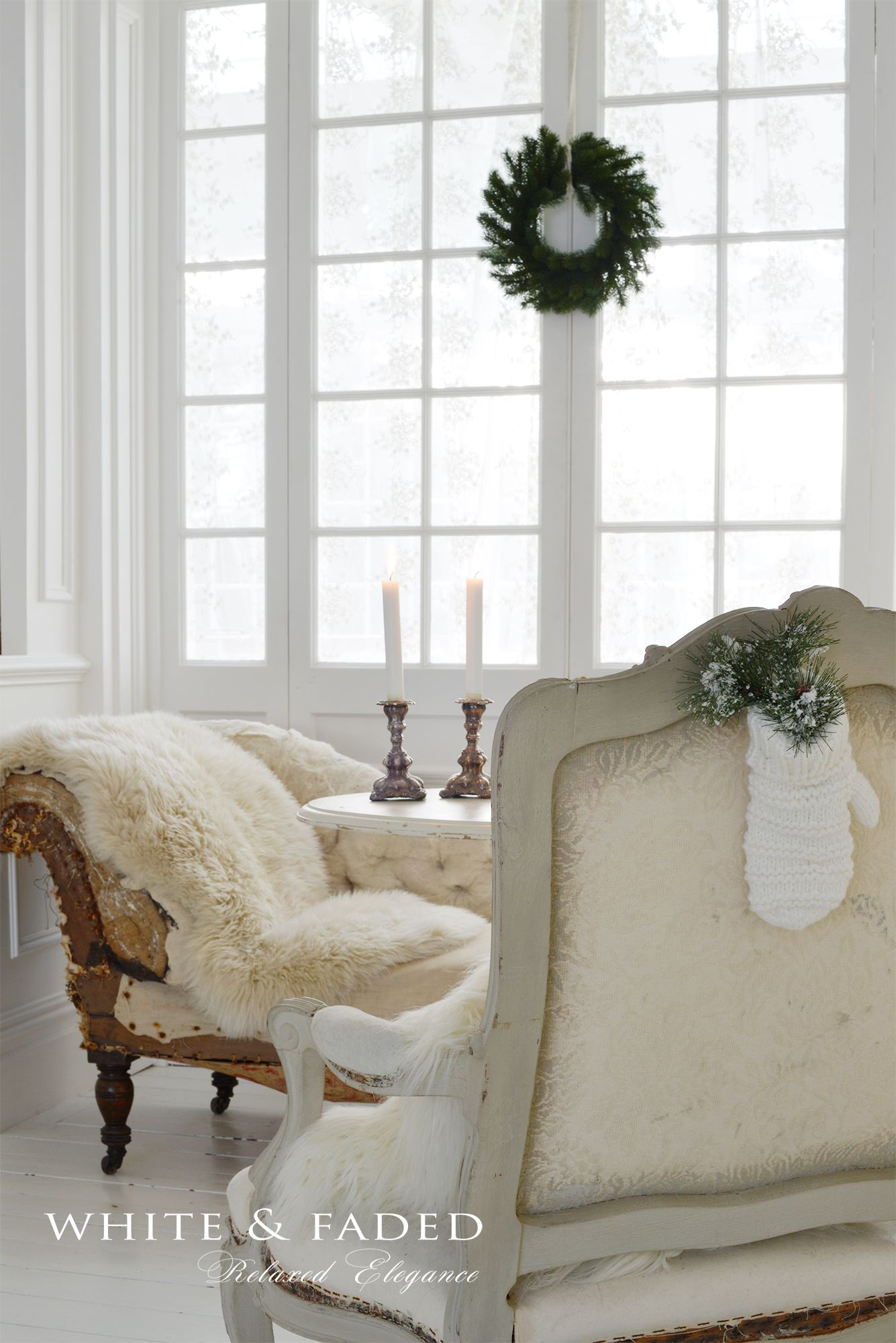 Simple Christmas decor | Shabby, Cottage, French, Country ...