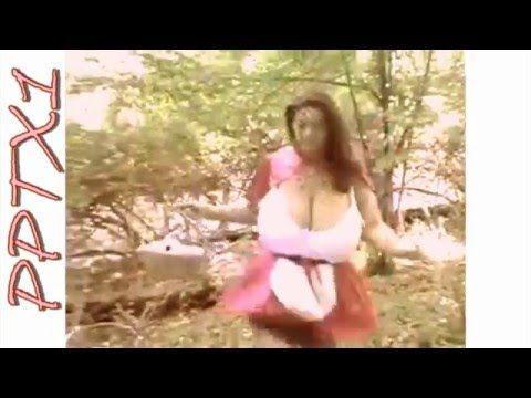 Milena Velba Corriendo Por La Piscina Youtube