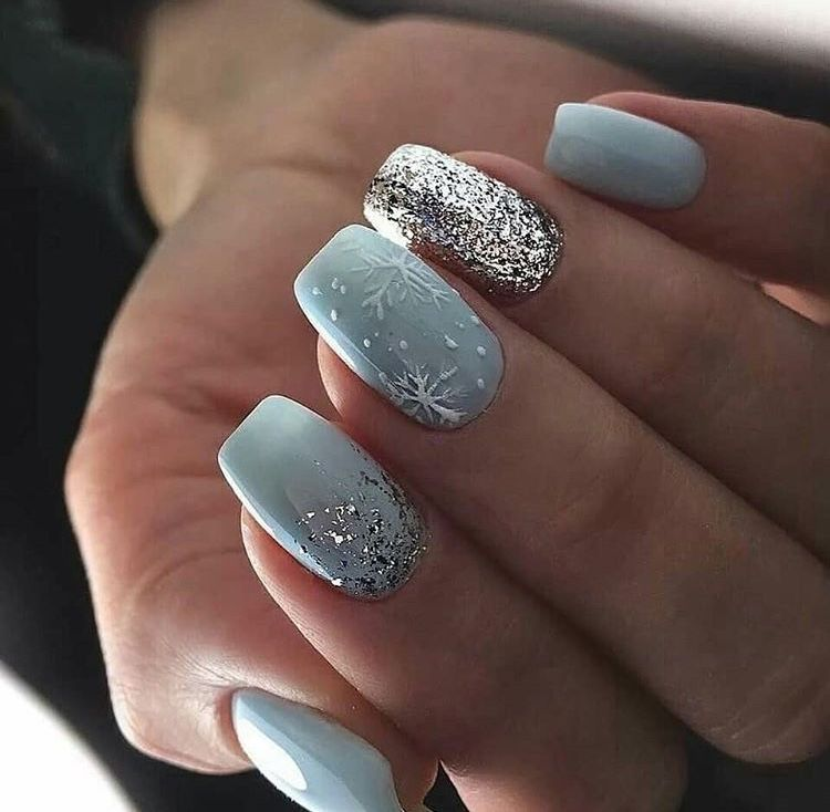 32 Holiday Nail Art Ideas To Get You Into The Christmas Spirit