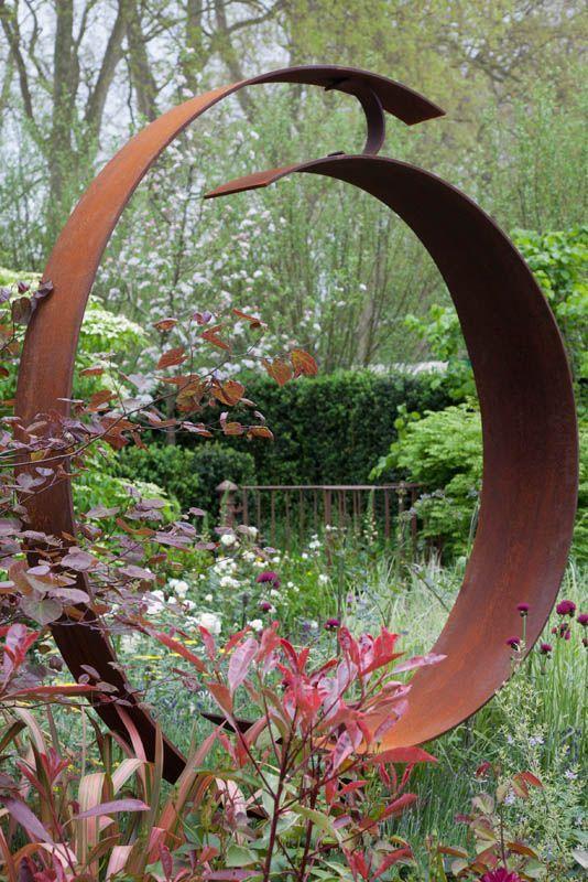 Pin von hermi burtscher auf garten esculturas jardines for Gartenschmuck aus metall