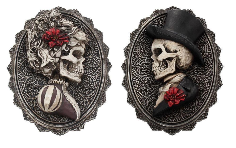 Gothic Skull Hanging Plaque