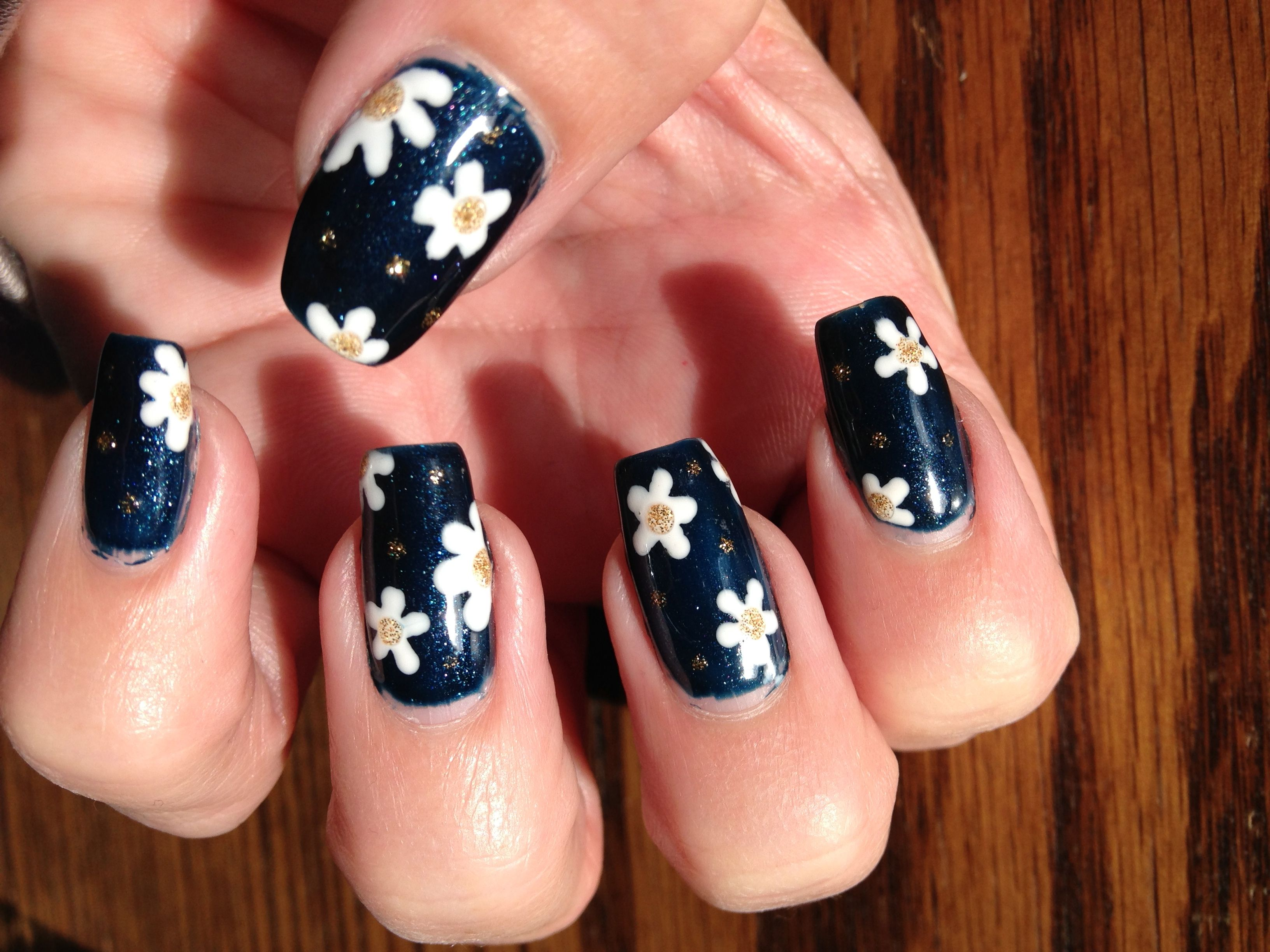 cnd Shellac Daisy nails on #CND shellacmidnightswim dark blue my ...