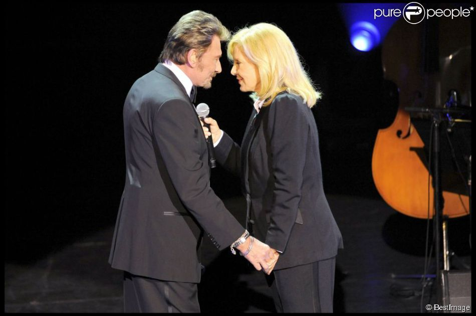 Sylvie Vartan et Johnny Hallyday sur la scène de l'Olympia, en 2009
