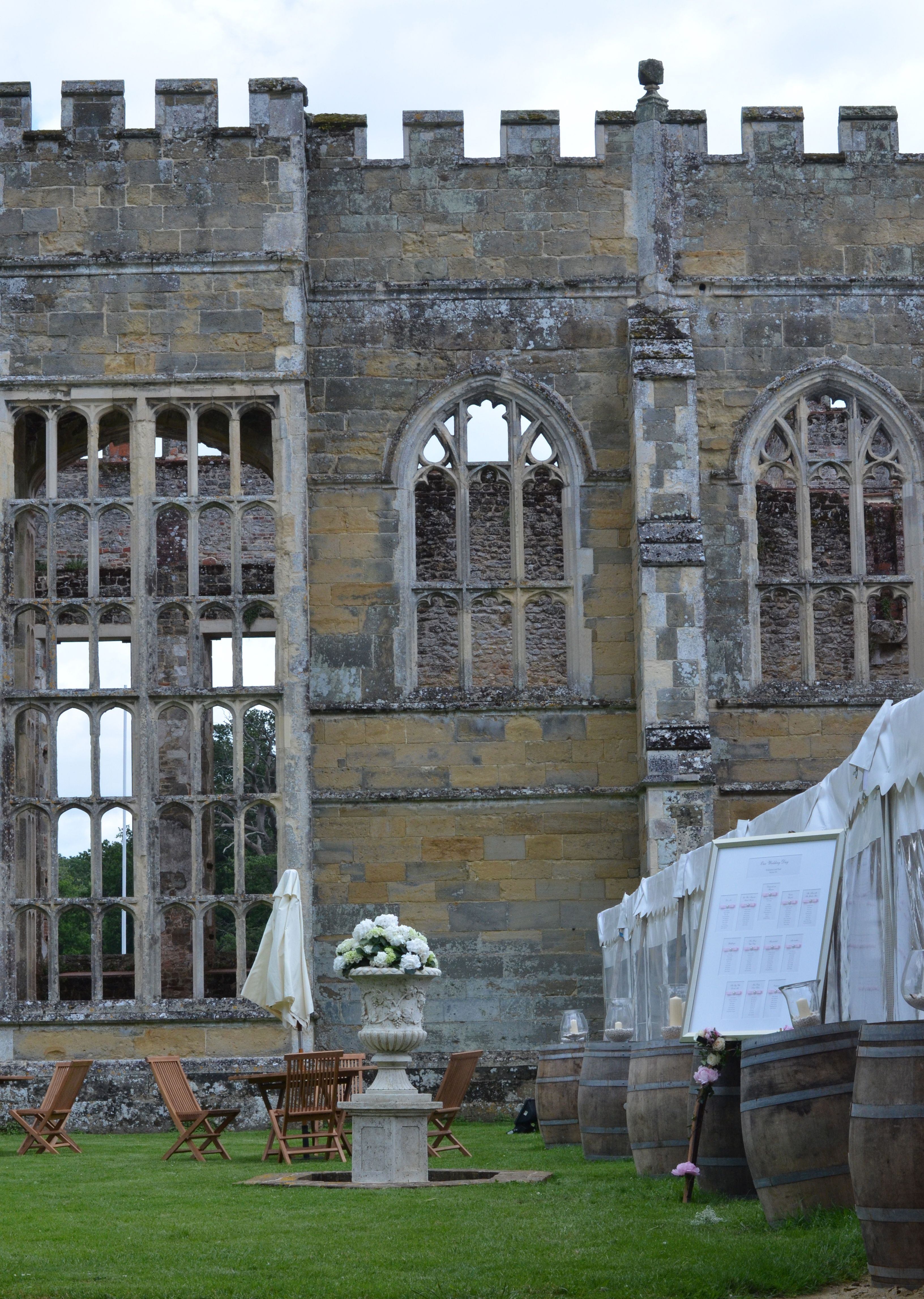 cowdray ruins - beautiful setting for a country wedding ...