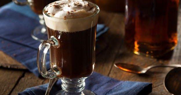 El Irish Coffee O Café Irlandés Siempre Con El Afán De Descubrir Todo Sobre El Café En Esta Oportu Irish Coffee Irish Coffee Recipe Irish Coffee Ingredients